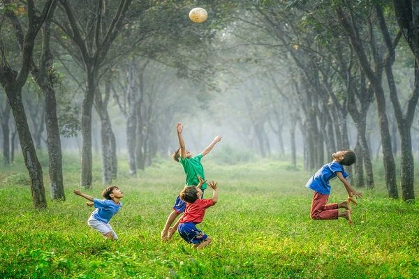 The importance and health benefits of free play for kids